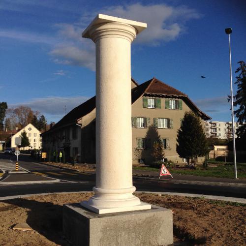 Colonne romaine à Avenches - Rond-point