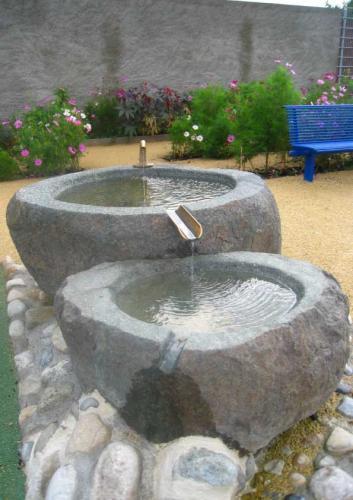 Point d'eau créé pour une place de jeux à Grandson