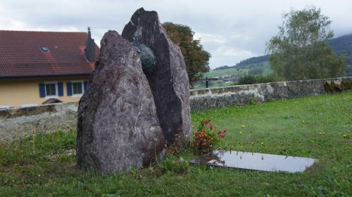 projet sculpture sur pierre jardin du souvenir