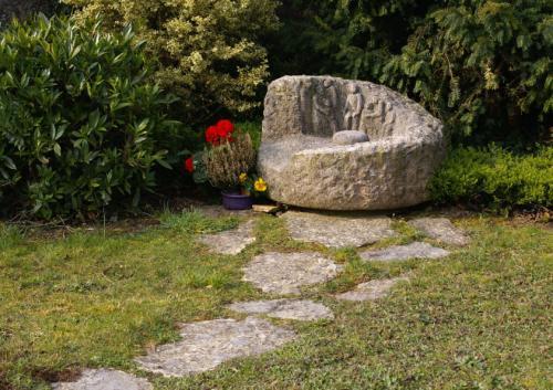 Jardin du souvenir en pierre pour cimetière