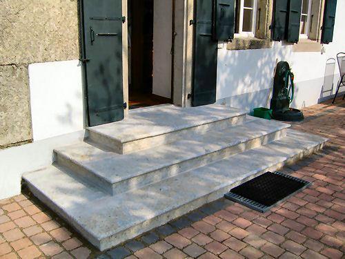 escalier et perron en pierre naturelle - grès d'Etavayer