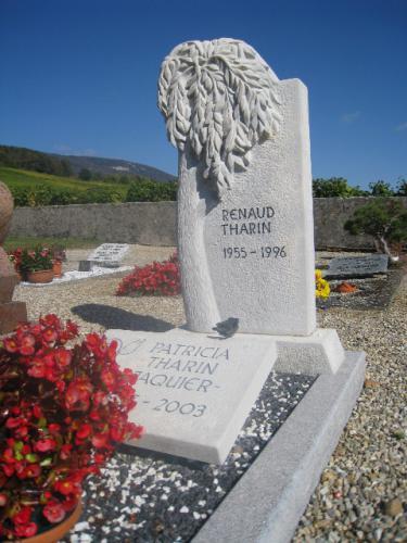 monument funéraire original - taille d'un saule pleureur