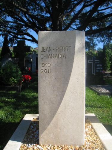 Monument funéraire moderne et original