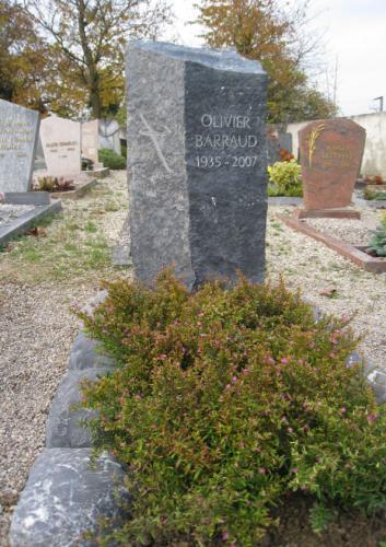 monument funéraire dans colonne en basalt