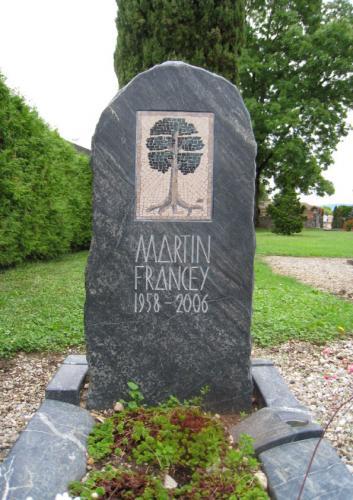 Monument funéraire en serpentine avec mosaïque