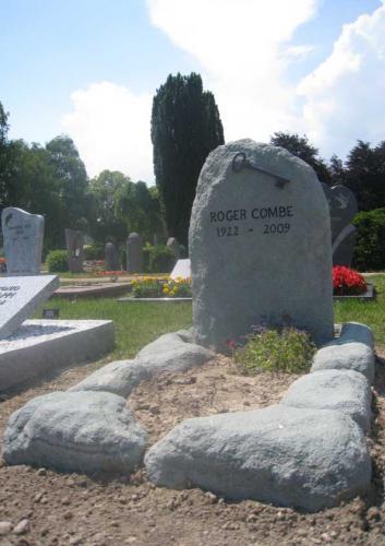 monument funéraire rocher nature