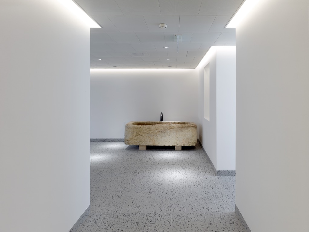 leukerbad / photos: t. jantscher / architectes: www.sas-architecture.com